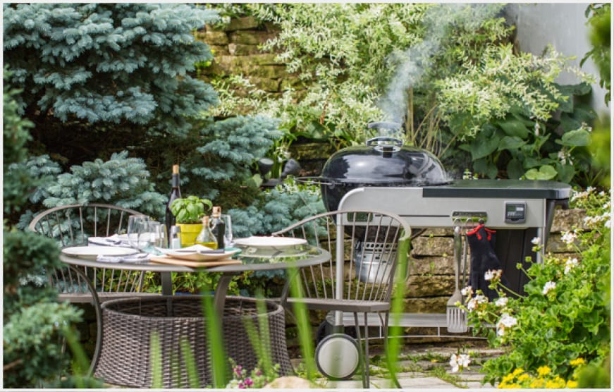 Unbeatable performance with convenient features bring charcoal grilling to everyday life.