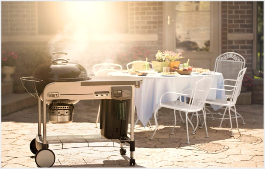 The Performer® Deluxe charcoal grill performs from beginning to end. All that's left is to sit back and enjoy the performance.