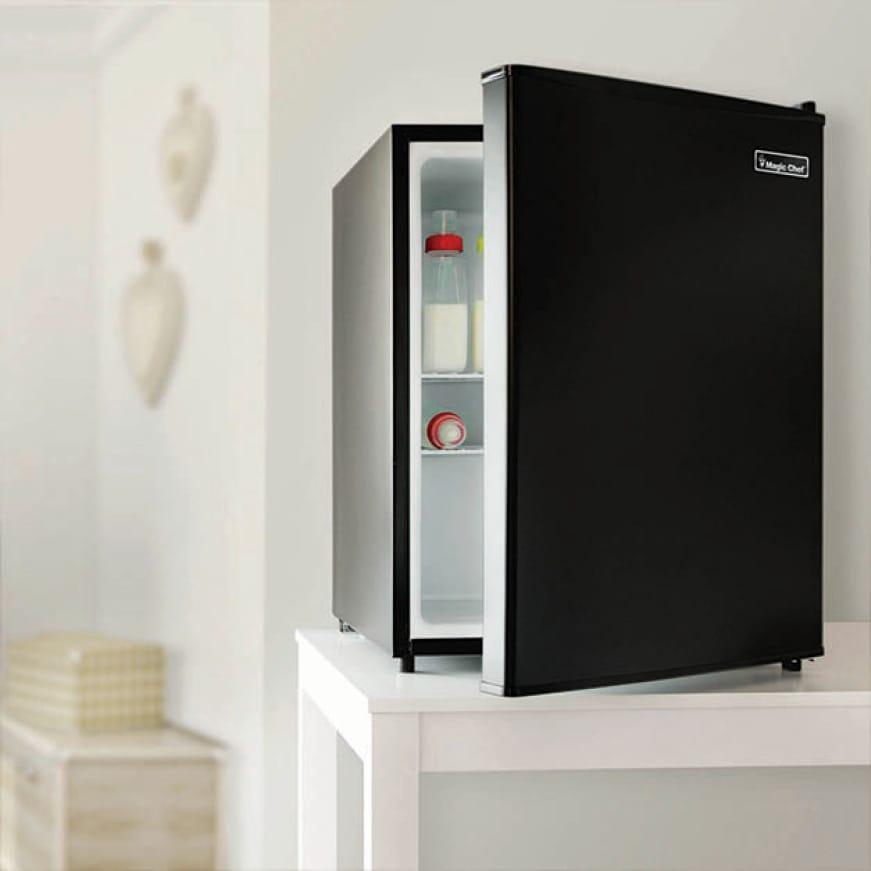 Maximize fresh food and beverage storage without the mini-freezer