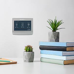 Smart Color thermostat displaying additional features