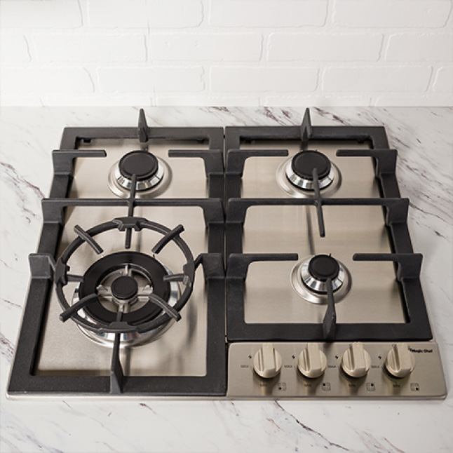 Triple ring burner is perfect for large pots and pans