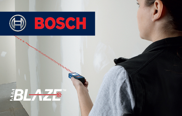 Bosch GLM165-10 projecting straight line for room measurement.