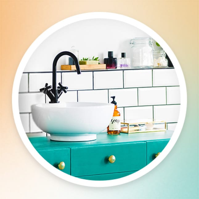 Enjoy beautifully balanced scents as you disinfect your bathroom.