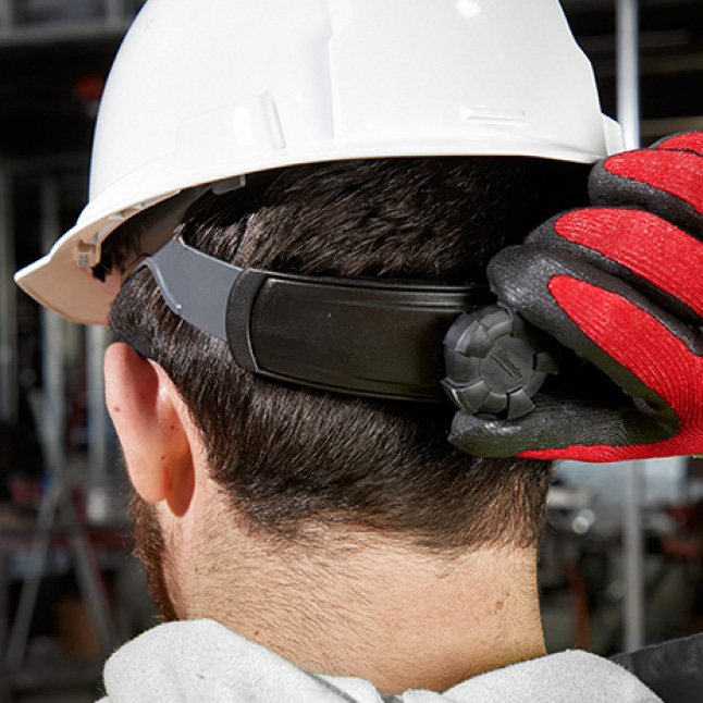 Milwaukee hard hat with Ratching Suspension for quick adjustments