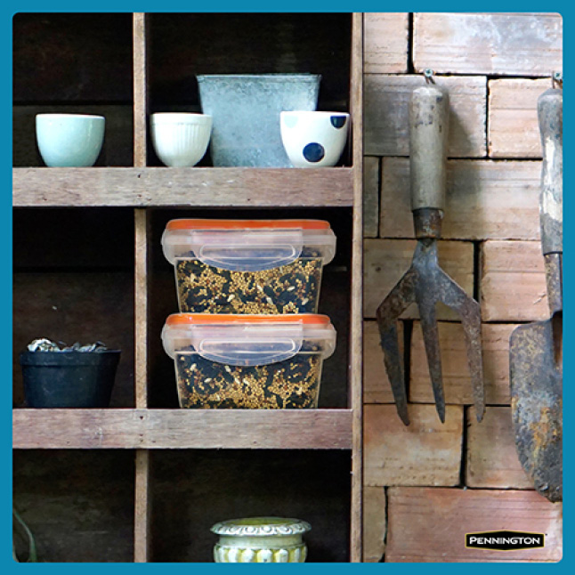 Pennington Ultimate Songbird Blend Seed Storage