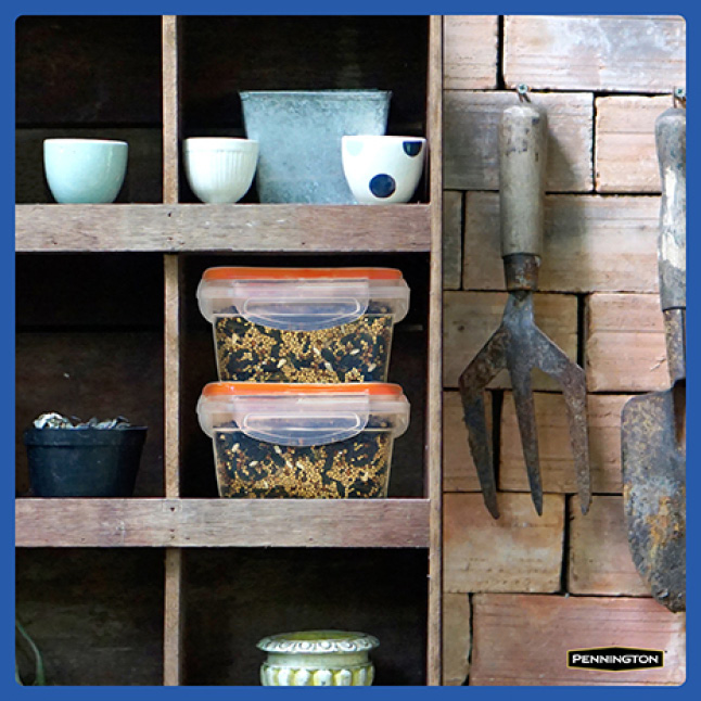 Pennington Classic Wild Bird Food Seed Storage