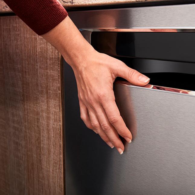 PRINTSHIELD Finish coating resists smudges and fingerprints