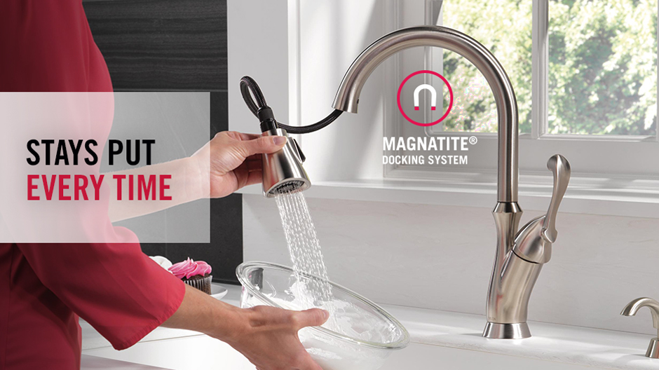 Delta Arabella Single-Handle Pull-Down Sprayer Kitchen Faucet with ...