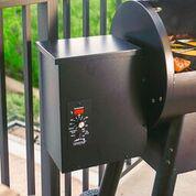 Traeger Grills - 10lb Hopper Capacity