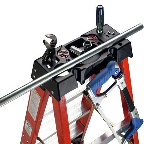 Werner 6 Ft Fiberglass Step Ladder With 300 Lb Load