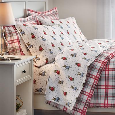 Festive Farmhouse Bedroom
