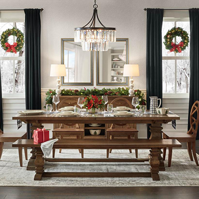Classic Holiday Dining Room
