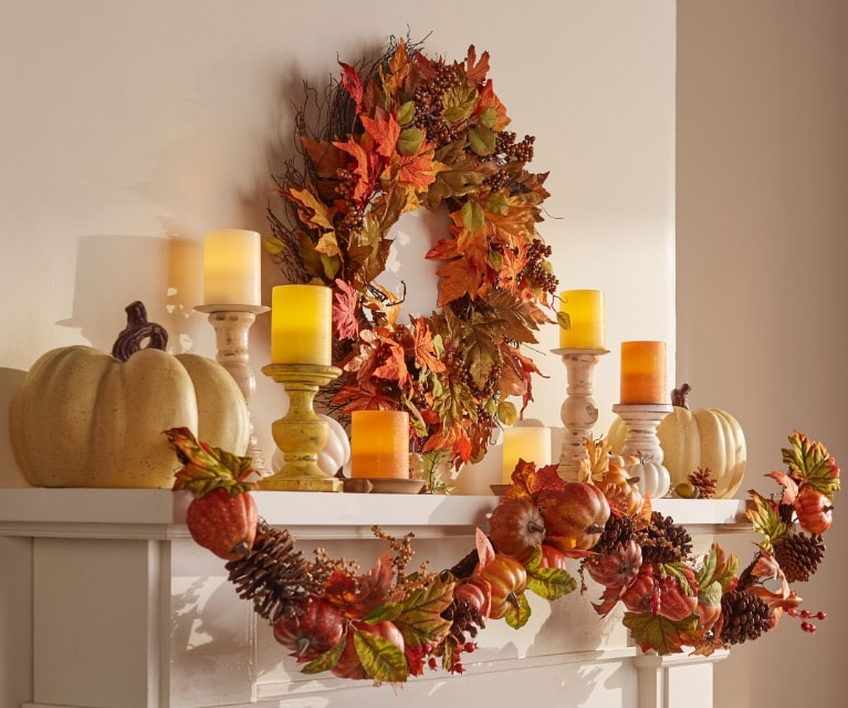Welcome friends and family with festive table settings, cornucopias, pumpkins and more